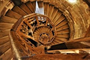 Escalier bois en colimaçon